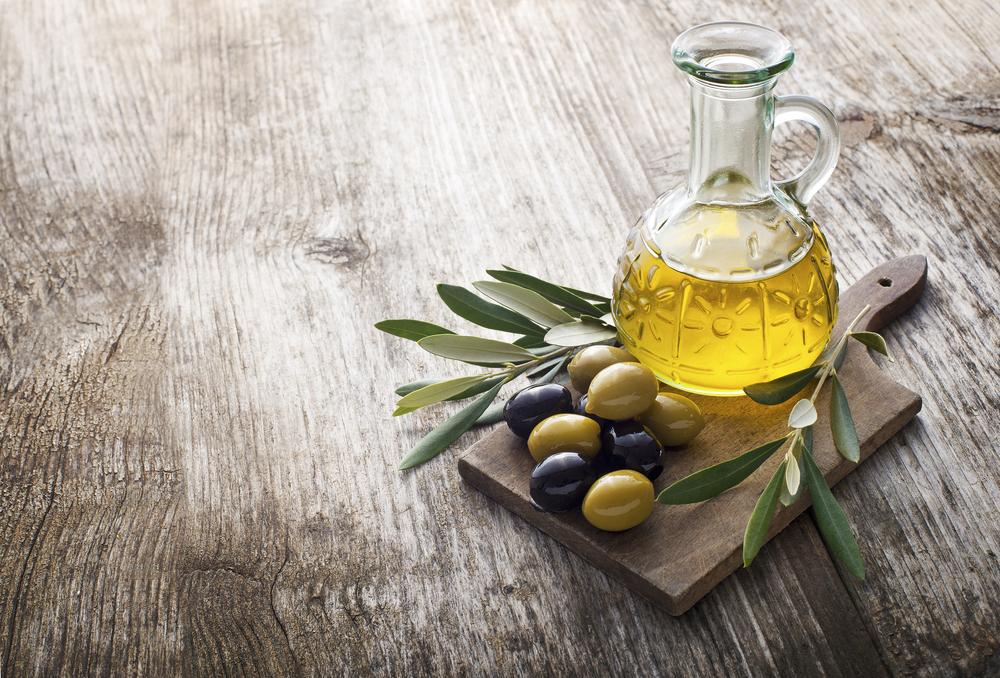 Ensaio randomizado que envolveu participantes com deficiência cognitiva leve descobriu que azeite de oliva extra virgem ajudou a melhorar a função cognitiva