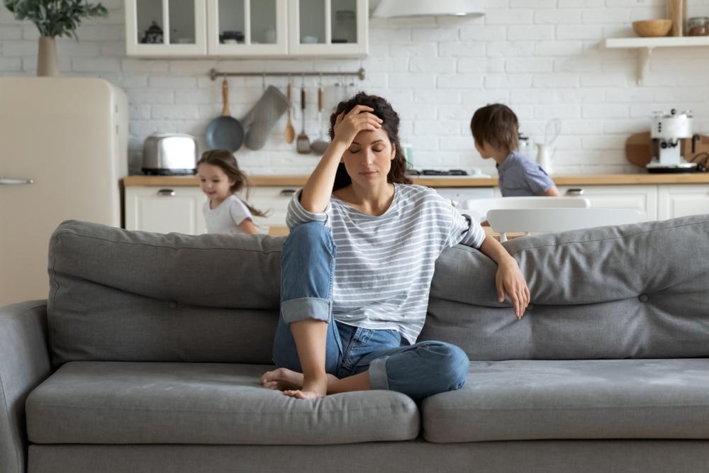 Pesquisa sugere benefício com suplementação de DHEA no transtorno depressivo da perimenopausa e depressão pós-parto